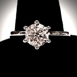 2 CARAT BRILLIANT CUT MOISSANITE SOLITAIRE RING